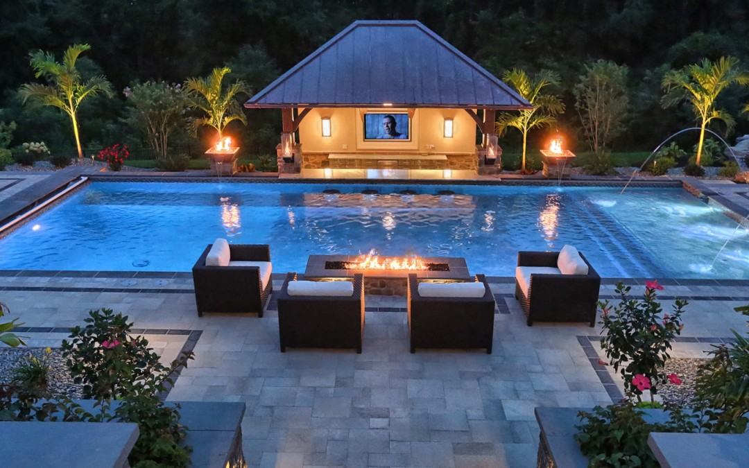 Five Ultimate Pool Features for a Luxurious Swimming Experience